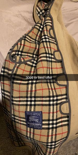 Burberry Coat Large for Sale in Aliquippa, PA