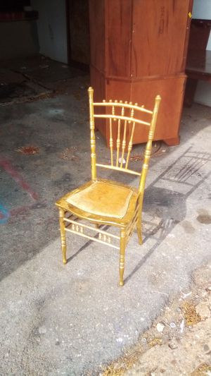 TODAY ONLY: Antique gold chair, $30 OBO for Sale in Washington, DC