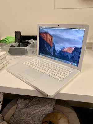 Apple Macbook Laptop (El Capitan) for Sale in Vero Beach, FL