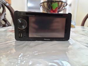 Pioneer AVH-P2400BT for Sale in The Bronx, NY