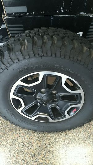 Jeep Wrangler JK/JL OEM Wheels With MT BFGOODRICH TIRES for Sale in Pasadena, CA