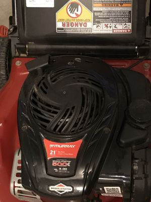 Lawn Mower Murray 21 Briggs & Stratton 500 series for Sale in Sterling, VA