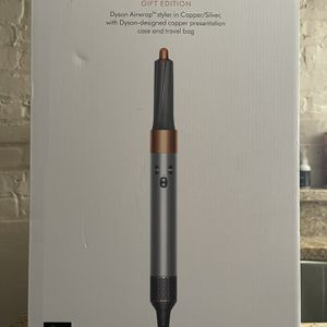 Dyson Airwrap Complete Brand new for Sale in Chicago, IL