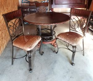 Kitchen/dining table for Sale in Las Vegas, NV
