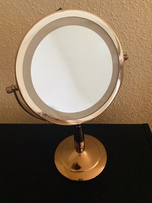Double sided battery powered vanity makeup mirror for Sale in Miami, FL