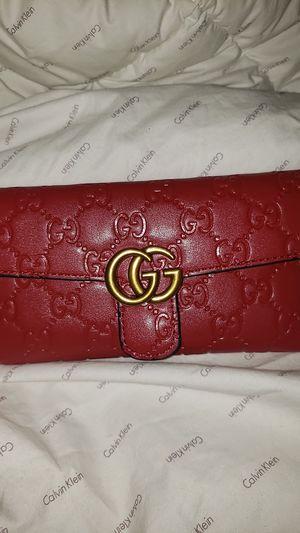 Gucci Wallet Red for Sale in El Cajon, CA