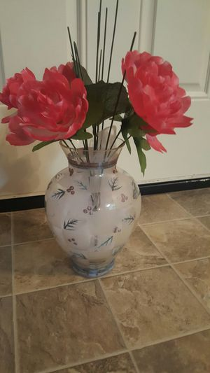 Pretty vase w/ flowers for Sale in Columbia, SC