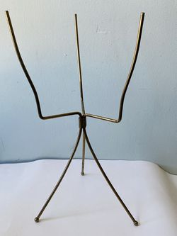 Metal mid century plant stand. No planter included for Sale in Berea,  OH