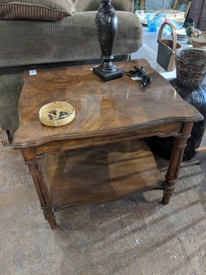 Wood End Table for Sale in Las Vegas, NV