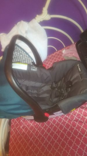 Car seat with base for Sale in Rotterdam, NY