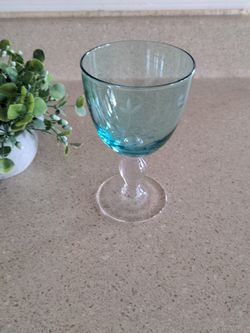 7 Ct. Water Goblet for Sale in Leander,  TX