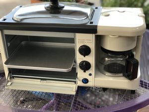 Nostalgia toaster oven, coffee maker, covered hot plate all in one for Sale in Stockton, CA