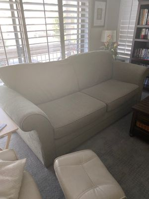 Couches with pull out bed! for Sale in CA, US