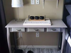 Table/desk for Sale in Murfreesboro, TN