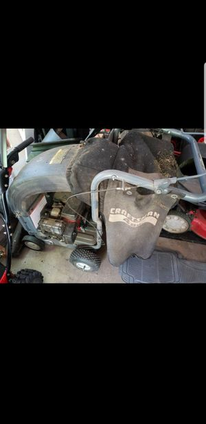 Craftsman 5.5 hp 4 bushel capacity leaf vacuum and chipper - $200 for Sale in Libertyville, IL