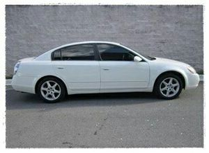 2oo3 Nissan Altima Low miles 6cyl• please message me at: Nil3sw @ ɢᴍᴀɪʟ.ᴄᴏᴍ for Sale in Boone, NC