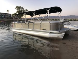 Pontoon boat Parti Kraft 2000 for Sale in Menifee, CA