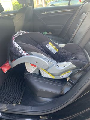 Infant Car Seat for Sale in Franklin Township, NJ