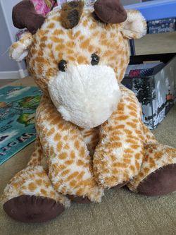 Giant Stuffed Giraffe for Sale in Gilbert,  AZ