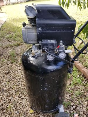 CENTRAL PNEUMATIC compressor 21 gallons for Sale in Austin, TX