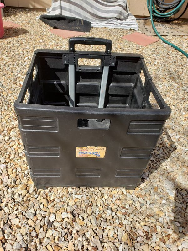 Foldable crate on wheels