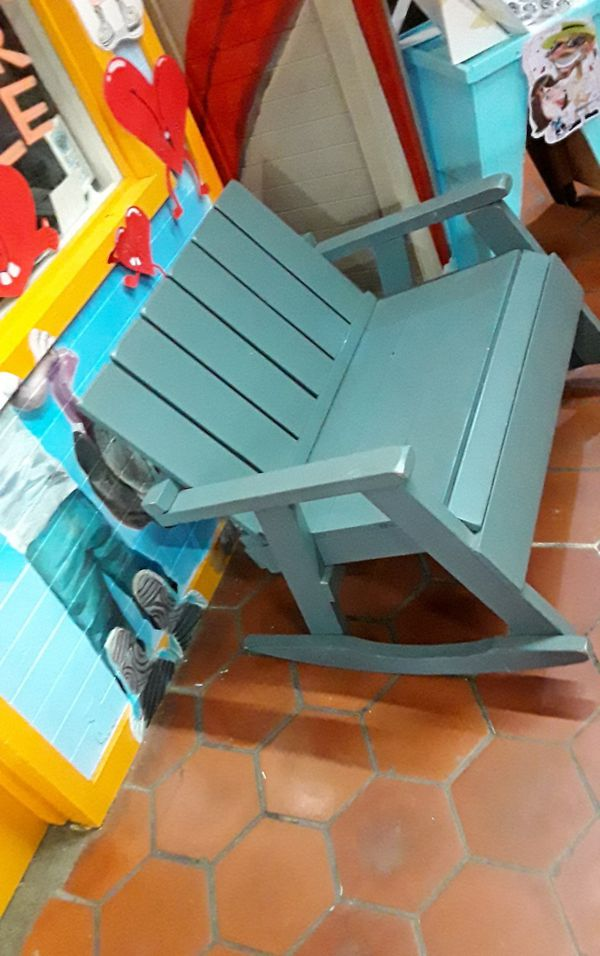 Very cool outdoor / indoor benches set that can be sold individually or as a set!