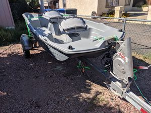 10.2 ft bass boat with trailer for Sale in Phoenix, AZ