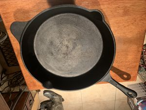 "12"" cast iron skillet fry pan Dutch oven for Sale in Wilton, CA"