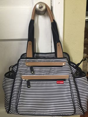 Skip Hop Grand Central Tote Diaper Bag in ReallyGood Used Condition! for Sale in Denver, CO