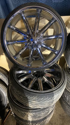 22 inch rims 5 lug Universal $800 for Sale in Kansas City, MO