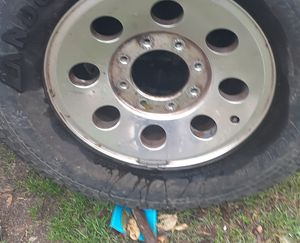 Off-road tires like new for Sale in San Antonio, TX