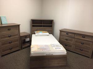 County Line 3 Piece Twin Bedroom Set, Salt Oak for Sale in Downey, CA