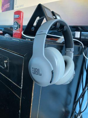 Jbl everest 700 wireless headphones for Sale in Boston, MA