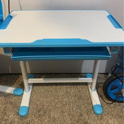 Kids Desk for Sale in Hillsboro,  OR