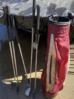 Junior Set Of Golf Clubs / Bag for Sale in Fresno,  CA