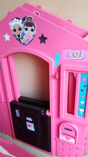 LOL Surprise Play House. Like New! Complete for Sale in Whittier, CA
