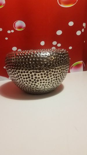 Beautiful Round Flower Vase decorative Bowl for Sale in Fontana, CA