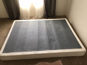 Free!! Queen size box spring for Sale in Kissimmee, FL