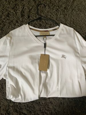 Burberry T-Shirt for Sale in Columbus, OH