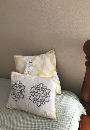 Cojines decorativos for Sale in Winter Haven, FL