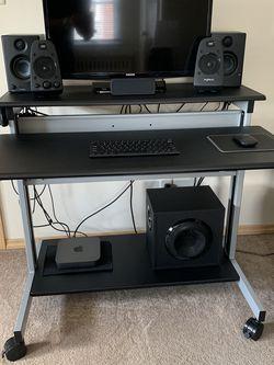 Computer Desk for Sale in Albertson,  NY
