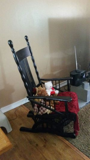 Antique rocking chair for Sale in Columbus, OH