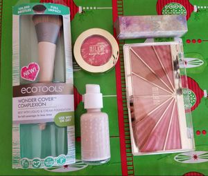 Holiday Face Gift Set! for Sale in Saint Paul, MN