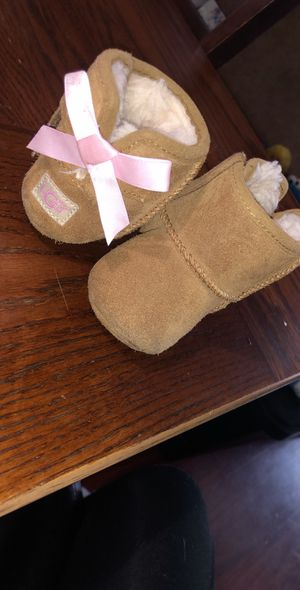 Baby girl ugg boots for Sale in Buffalo, NY