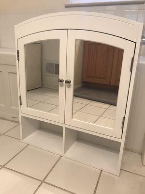 Bathroom cabinet for Sale in East Brunswick, NJ