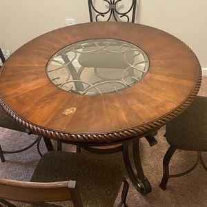 Dinning Table for Sale in Ashburn, VA