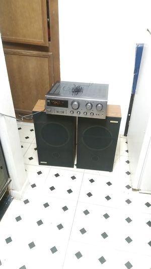 JVC STEREO RECEIVER RX-517 VTN. 250W. SPEAKERS INCLUDED. WORKS VERY WELL for Sale in Dallas, TX
