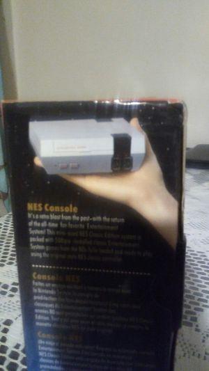 Mini NES de 500 games 2 controles for Sale in Garden Grove, CA
