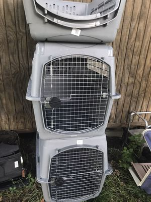 Large Crate kennel for Sale in Burleson, TX
