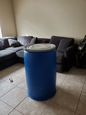 55 gallon drums with lids for Sale in Boynton Beach, FL